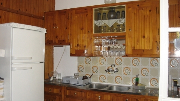 Ενοικιάζεται οικία στο Πλωμάρι Λέσβου.
