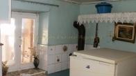 Πωλείται παραδοσιακή οικία στο Πλωμάρι Λέσβου.