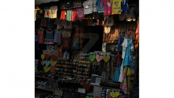 Πωλούνται δύο (2) καταστήματα στην Μήθυμνα (Μόλυβο) Λέσβου.