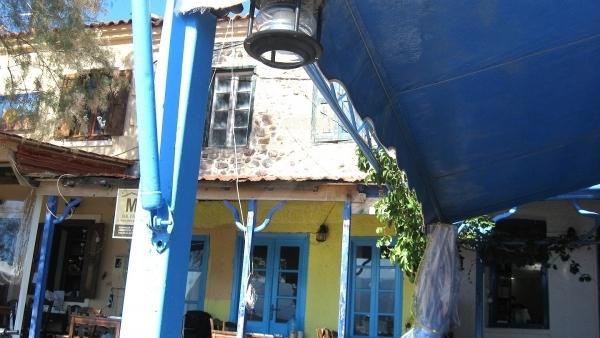 Πωλείται κατάστημα στο λιμάνι της Μήθυμνας (Μόλυβος) Λέσβου.
